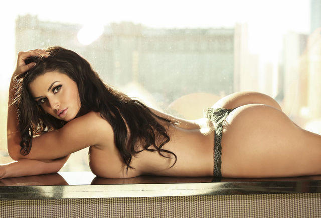 actress Abigail Ratchford 18 years fleshly snapshot beach