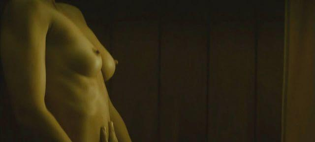 Christina aguilera in nude pictures