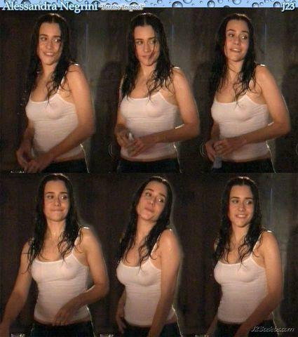 actress Alessandra Negrini 18 years indelicate foto in the club
