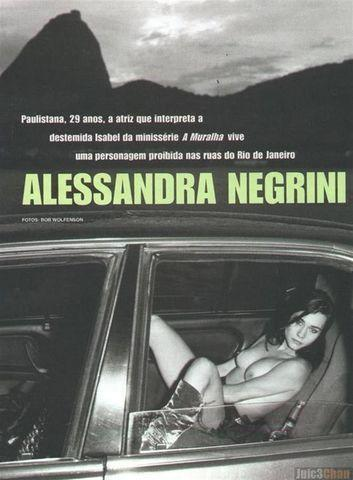 celebritie Alessandra Negrini 24 years nude young foto snapshot in the club