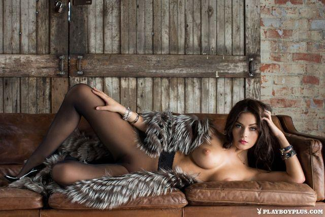 models Alexandra Tyler 23 years Without slip photo home