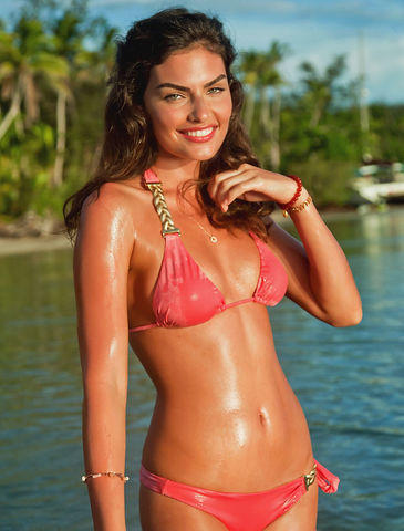 celebritie Alyssa Miller 21 years hooters picture beach