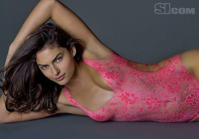 celebritie Alyssa Miller 2015 melons photoshoot beach
