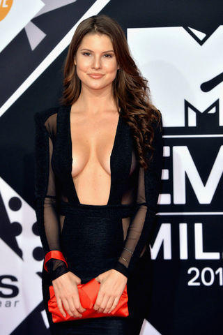 actress Amanda Cerny 20 years Hottest foto in public
