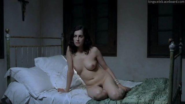 actress Amira Casar 25 years sensuous image in the club
