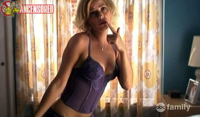 celebritie Amy Ciupak Lalonde 20 years provocative pics home