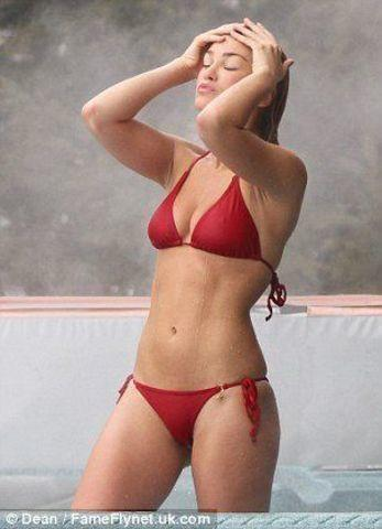 Amy Willerton topless foto