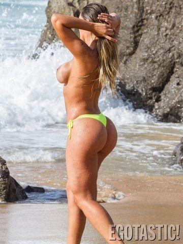 actress Andressa Urach 18 years Hottest snapshot in public