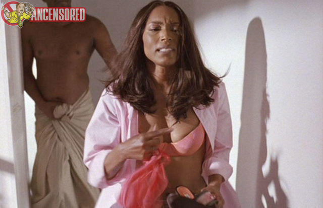 celebritie Angela Bassett 18 years hooters art in public