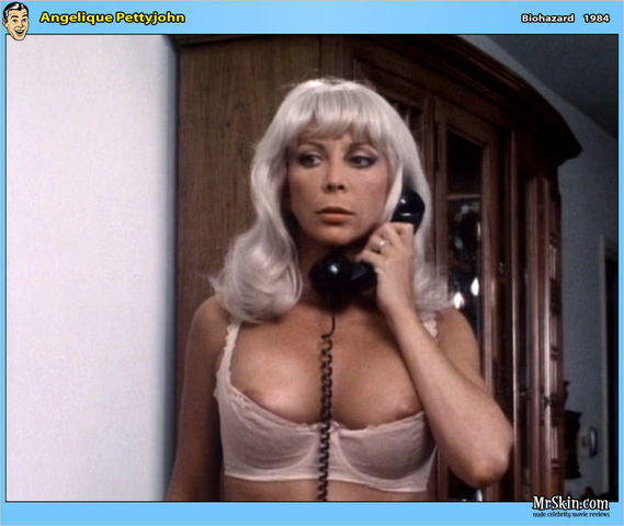 Angelique Pettyjohn topless foto