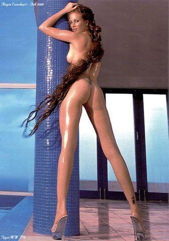 Sexy Angie Everhart snapshot High Definition