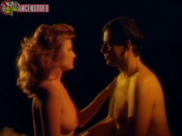 celebritie Ann Margaret Hughes 22 years sensuous image beach