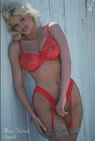 actress Anna Nicole Smith 21 years swimsuit art in public