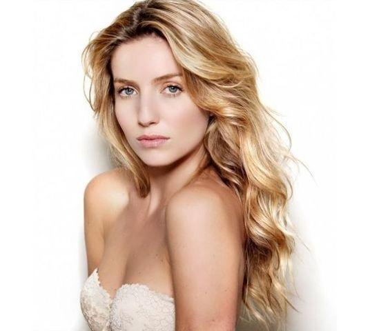 Naked Annabelle Wallis picture