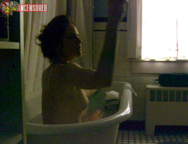 celebritie Annabeth Gish 21 years nudism foto in the club