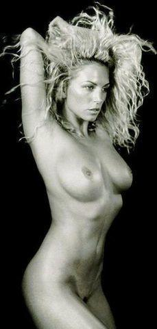 Hot image Annalise Braakensiek tits