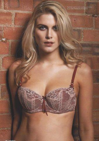celebritie Ashley James 21 years Without bra picture beach