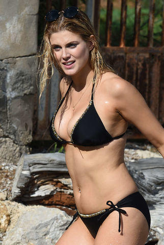 actress Ashley James 2015 bare-skinned image home
