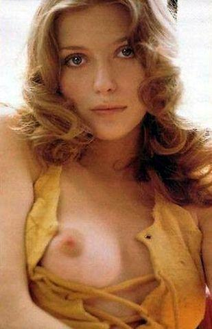 celebritie Bebe Buell 24 years unmasked picture home
