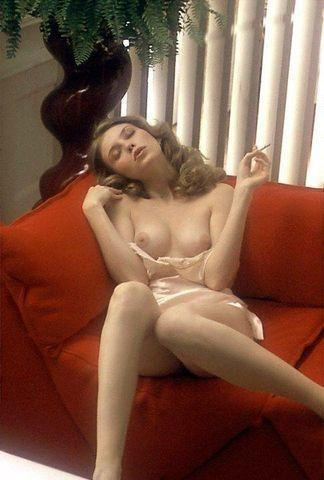 actress Bebe Buell young naked picture beach