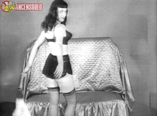 actress Bettie Page 25 years bared picture home