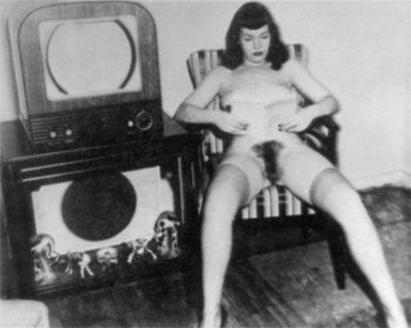 models Bettie Page 20 years fleshly picture home