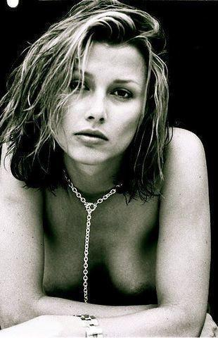 models Bridget Moynahan 24 years sensual picture in the club