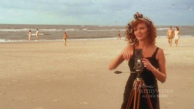 celebritie Brigid Brannagh young in the buff photoshoot beach