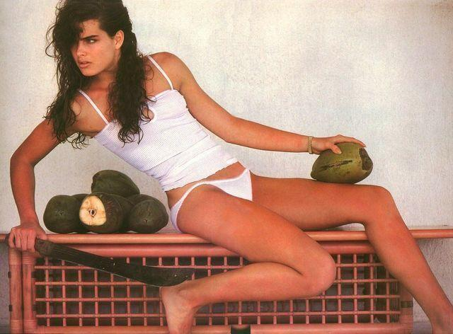 Brooke Shields topless picture