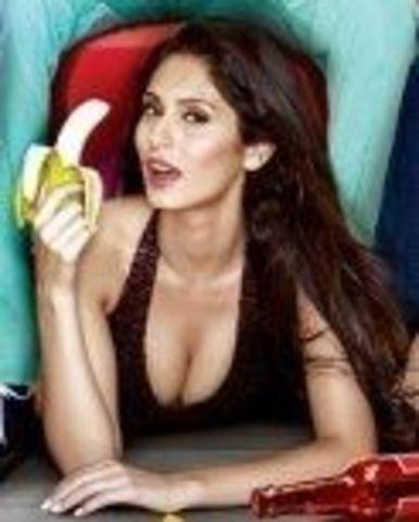 models Bruna Abdullah 22 years indelicate pics in public