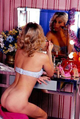 actress Bunny Bleu 21 years undress picture home