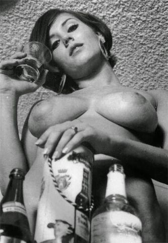 Candy Earle topless image