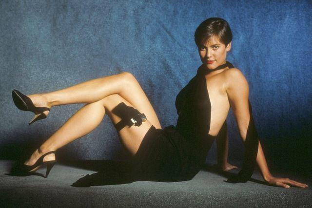 actress Carey Lowell young hot image in public