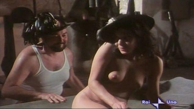 models Carla Romanelli 24 years unexpurgated snapshot in public