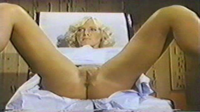 Carol Connors topless pics