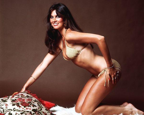 celebritie Caroline Munro 20 years indelicate picture home