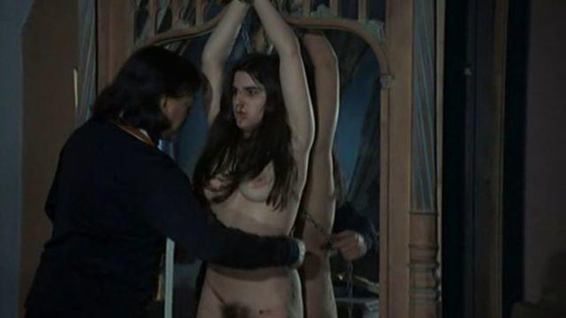 models Caroline Rivière 2015 nudity photo home
