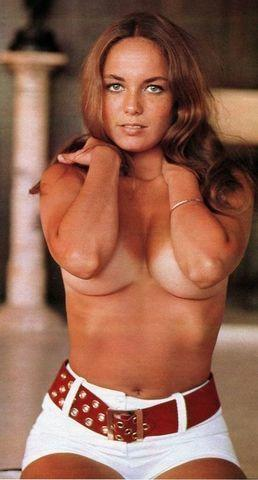 celebritie Catherine Bach 19 years Without panties art beach