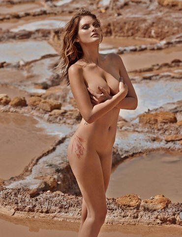 models Catherine McNeil 19 years Without brassiere photos in the club