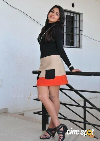 Catherine Tresa nude photo