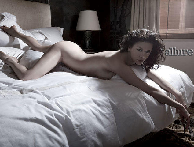 models Catherine Zeta-Jones 20 years nude art foto beach