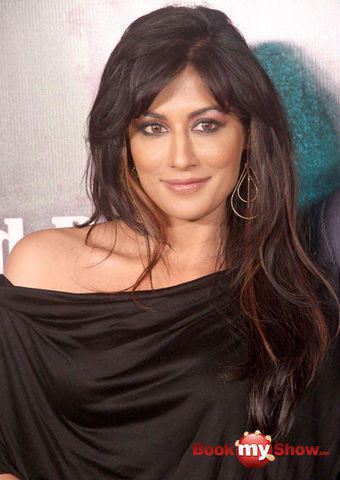 actress Chitrangada Singh 19 years bareness photos in public