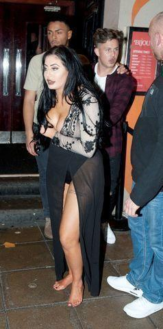 celebritie Chloe Ferry 23 years overt pics home