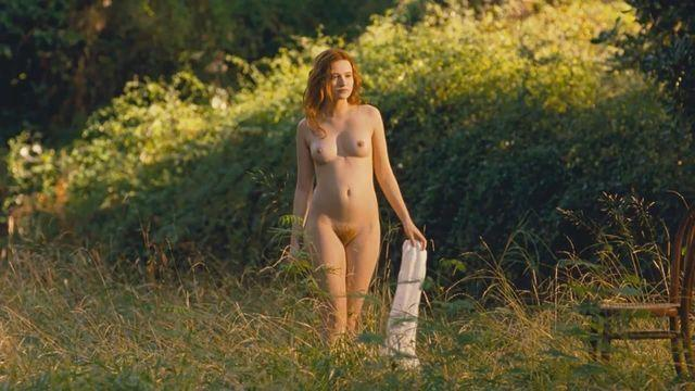 Naked Christa Theret photo