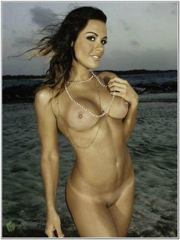 actress Christina Dieckmann 2015 Uncensored image in the club