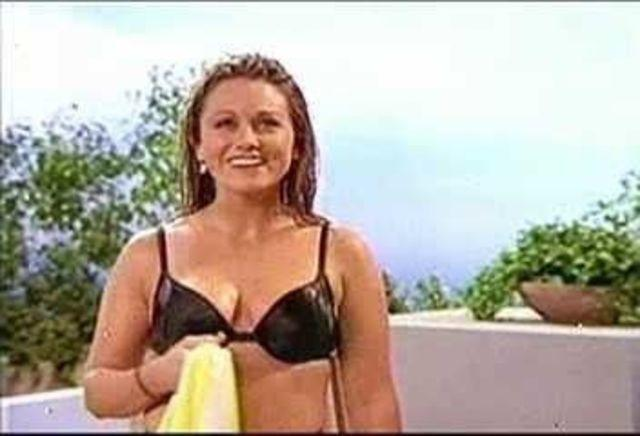 celebritie Christine Taylor 18 years voluptuous snapshot beach