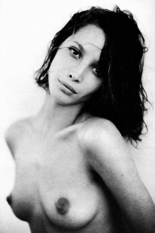 actress Christy Turlington 21 years naked photography home