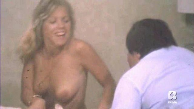 celebritie Cindy Leadbetter 25 years Without clothing snapshot in public