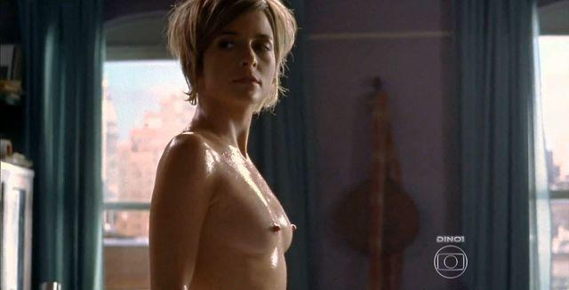 celebritie Cláudia Abreu 20 years nudity picture in public