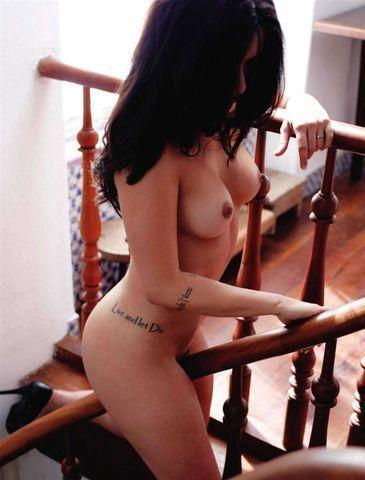 Naked Cléo Pires snapshot